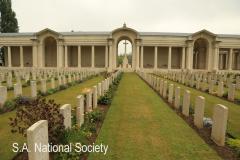 Arras - Fauberg De Amiens Cemetery (22)